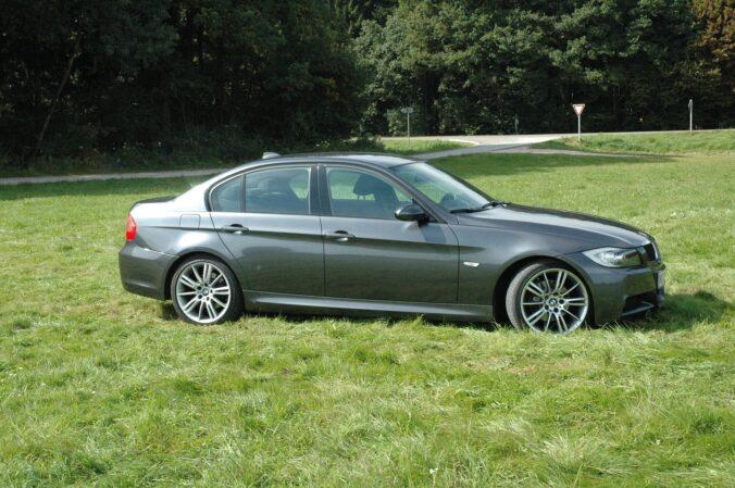 BMW 3 серии E90